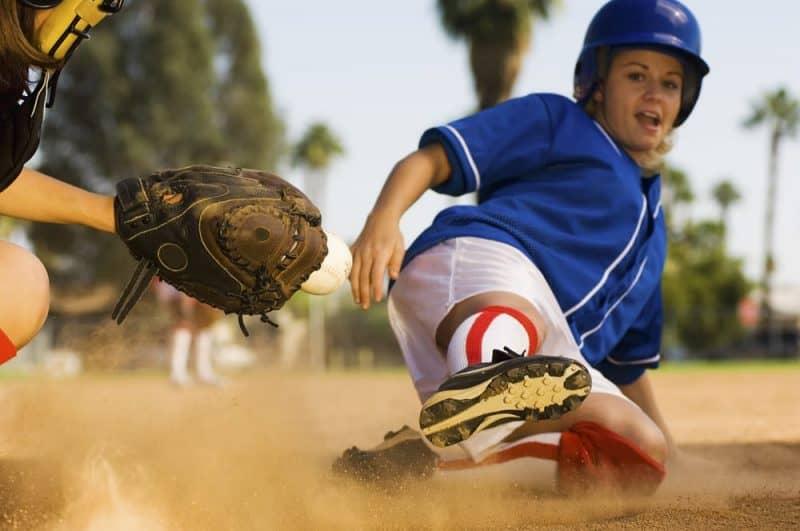 Deportes más populares para niñas - softbol