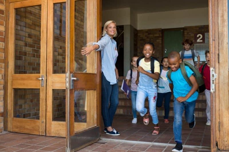 Los productos más peligrosos de la escuela: puertas
