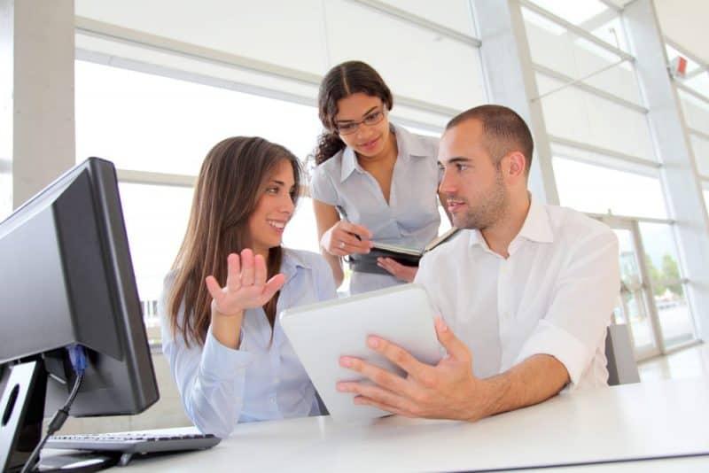 Cursos superiores reconocidos: negocios y administración