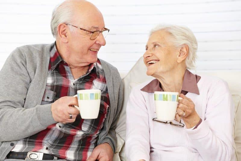 Alimentos saludables para personas mayores - café