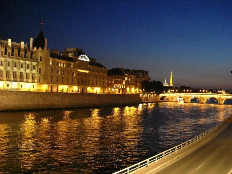 Principales atracciones de París: crucero por el río Sena