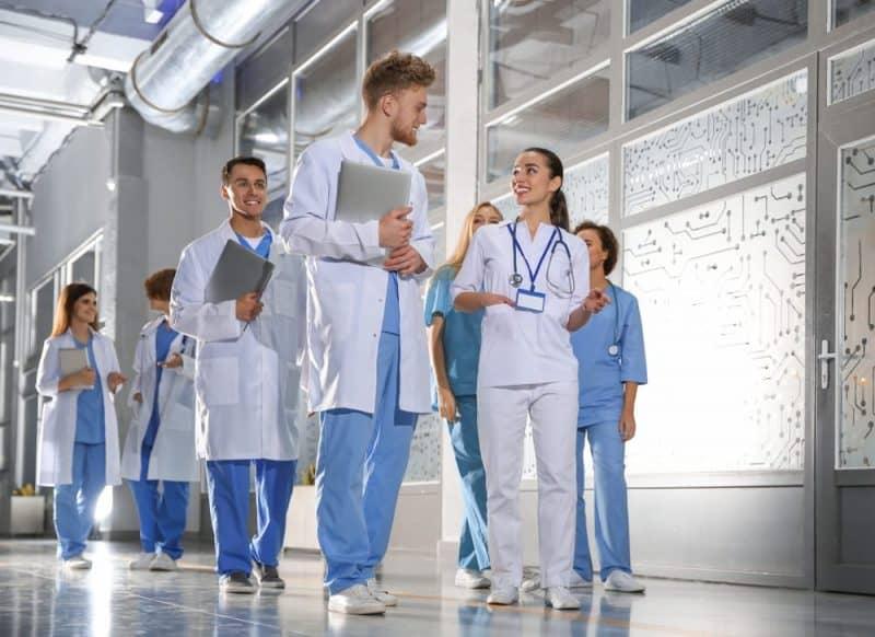 Cursos superiores conocidos: medicina