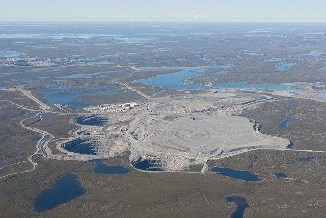 Mina de diamantes Ekati, Canadá (Fuente: Wiki)
