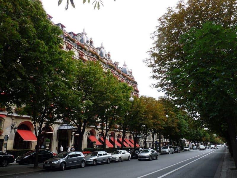 La mejor calle comercial del mundo: Avenue Montaigne, París