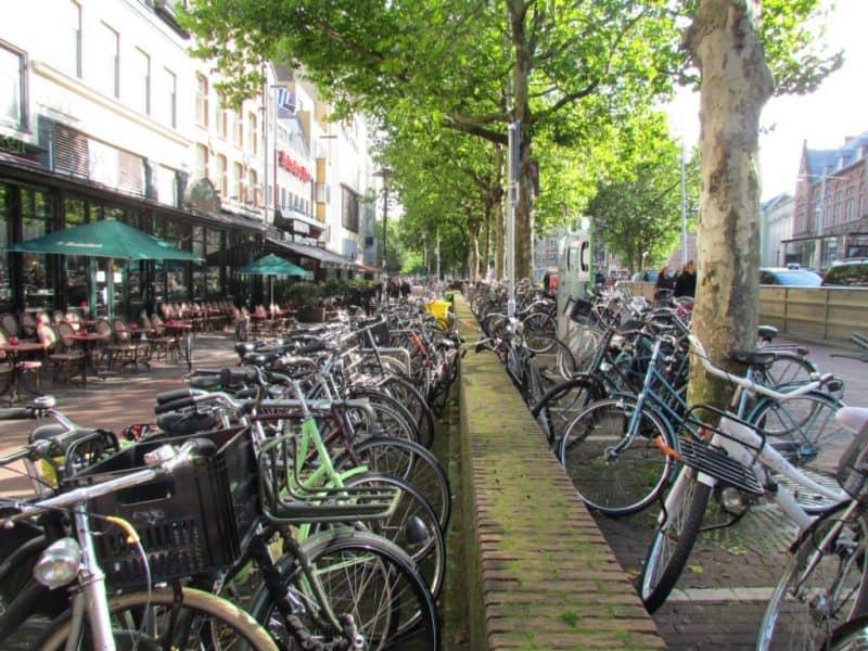 Atracciones principales en Ámsterdam: alquiler de bicicletas