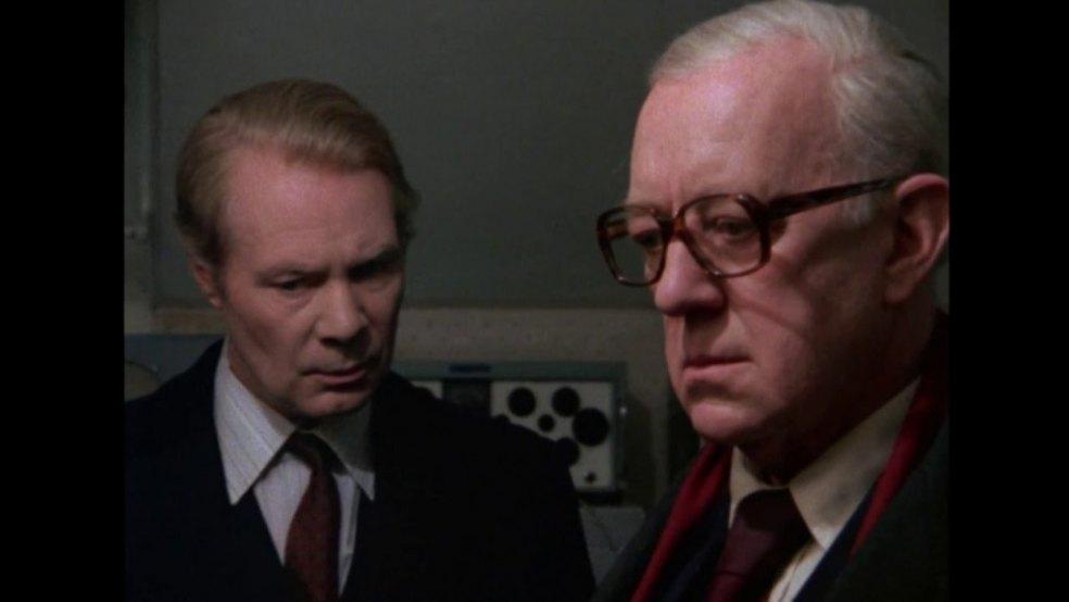 7 programas de televisión que debes ver si amas al espía 8