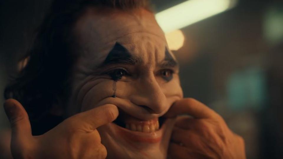 ¡'Pon una cara feliz', el tráiler de Joker es clásico, de una manera espeluznante! 1