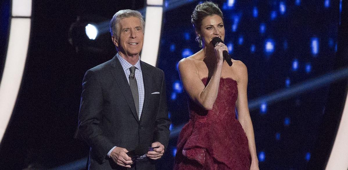 ¿Por qué Tom Bergeron y Erin Andrews fueron despedidos de Dancing With the Stars? 1
