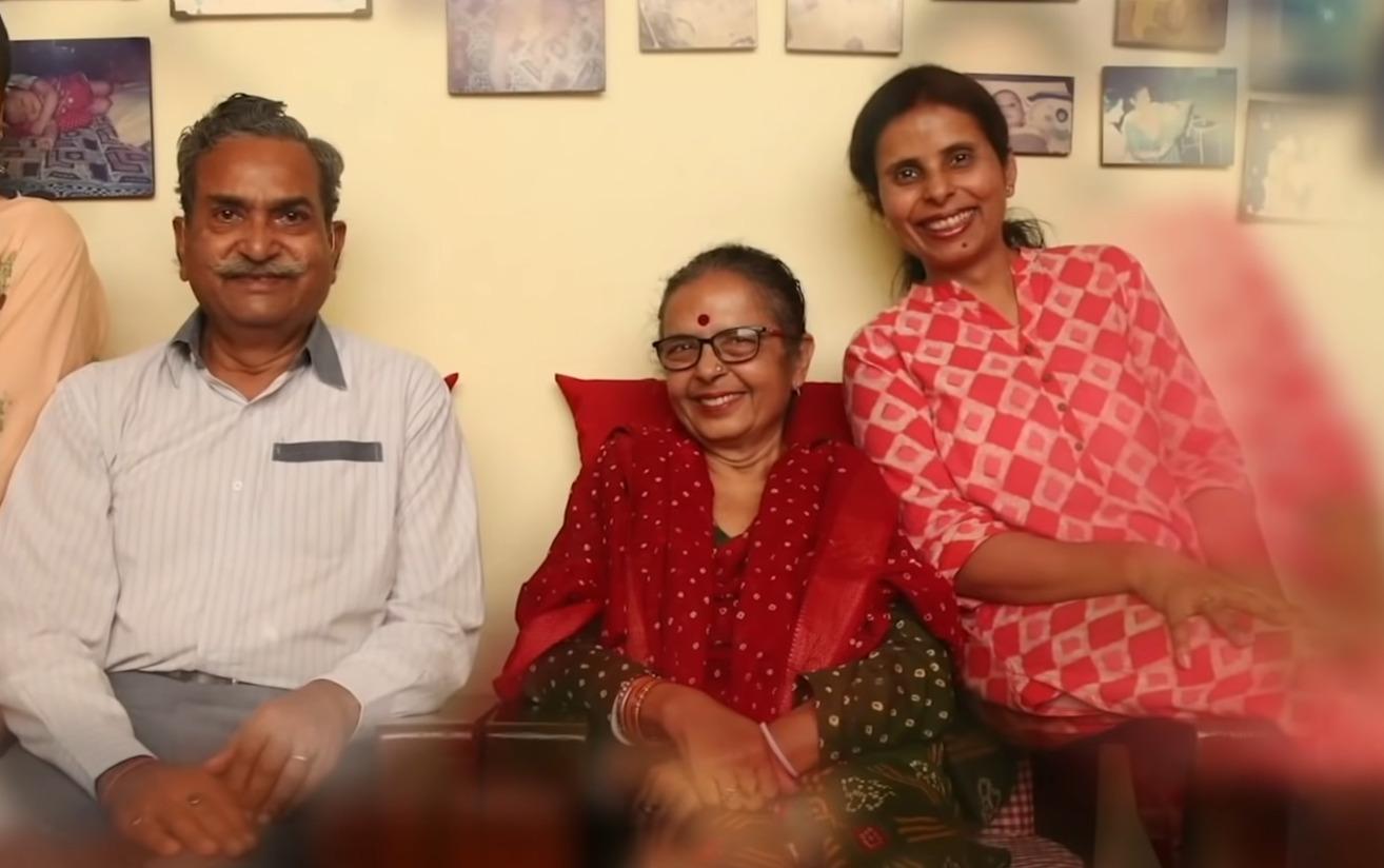 ¿Quiénes son el verdadero padre, madre y hermano de Gunjan Saxena? 3