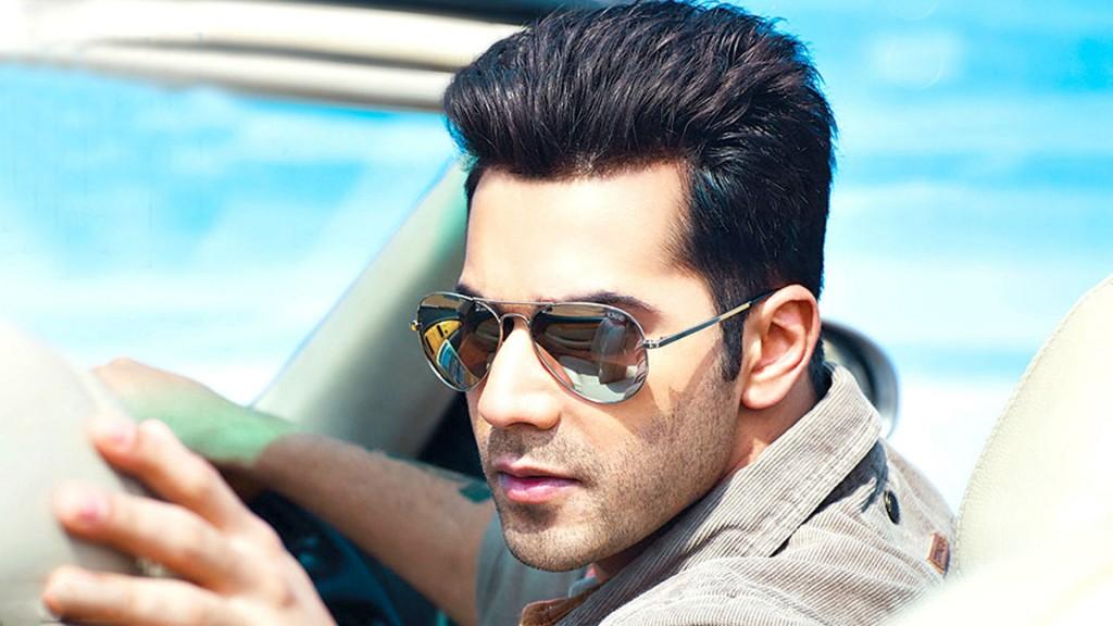 18 actores de Bollywood con la mayor cantidad de películas de 100 millones de rupias 2