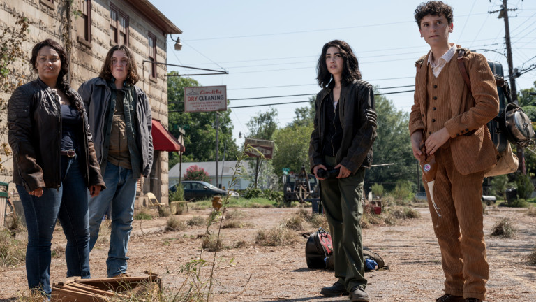 Walking Dead World Beyond Release Date, Spin-Off Cast, AMC 2020 1