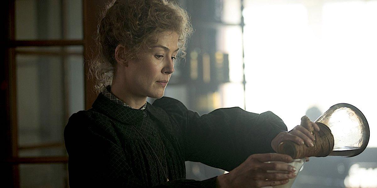 ¿Es radioactivo una historia real? ¿Está la película basada en la vida real de Marie Curie? 2